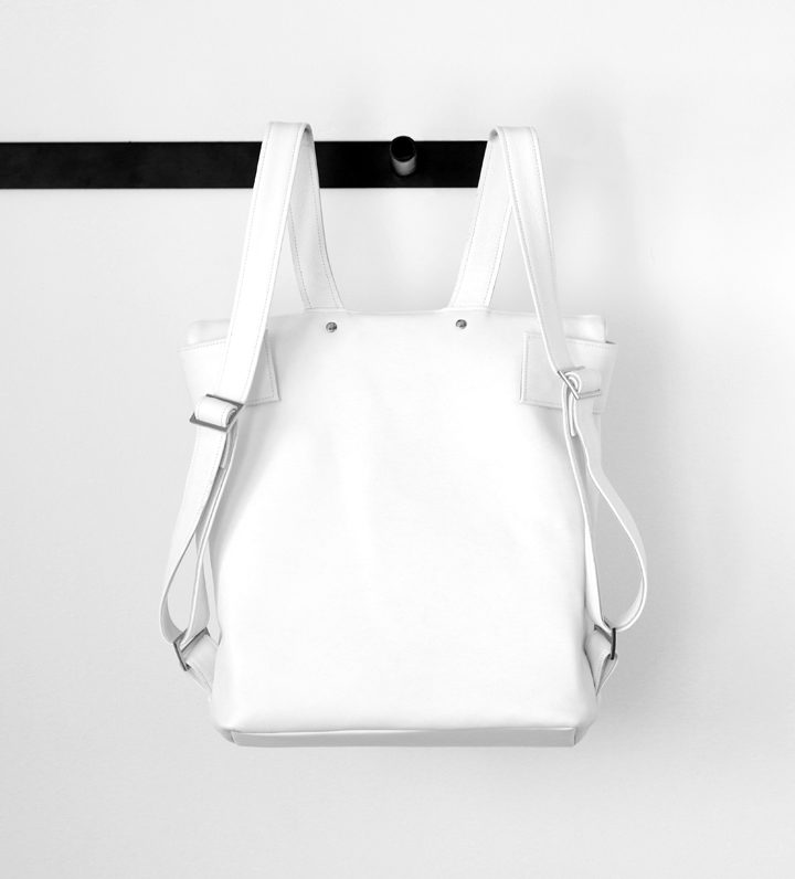 zsofihidasi_falling_backpack_white_s