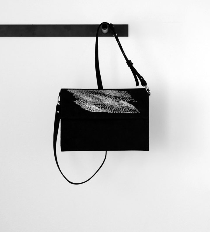 zsofihidasi_falling_clutch_with_strap_s_1