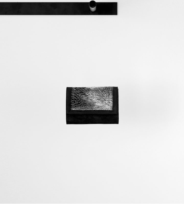 zsofihidasi_falling_wallet_black_s