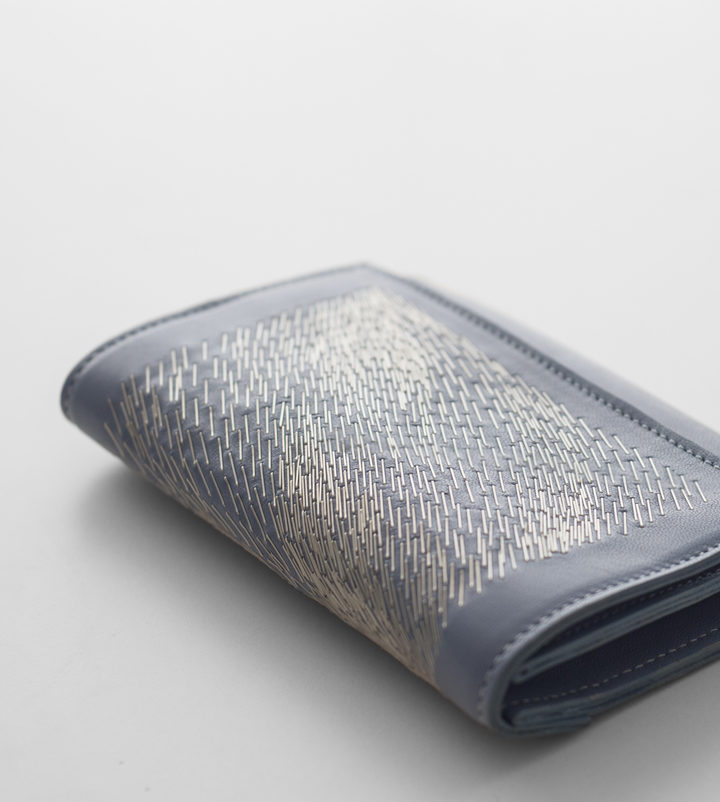 zsofihidasi_falling_wallet_blue_s_4