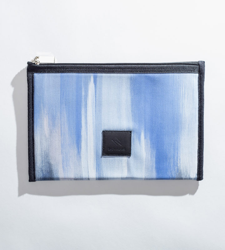 zsofihidasi_blue_hour_pouch_pastelblue_01