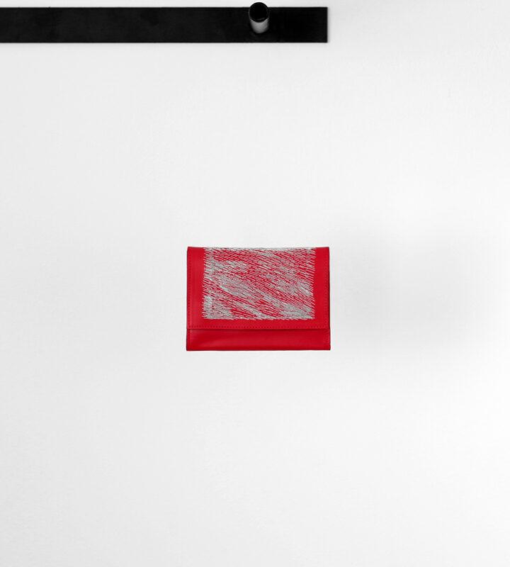 zsofihidasi_falling_wallet_red_s