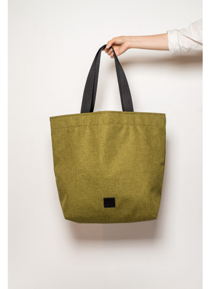 zsofihidasi_lighten_shopper_in_mossy_green