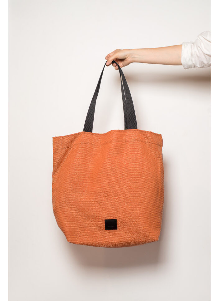 zsofihidasi_lighten_shopper_in_orange
